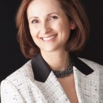 Dr Yvonne King